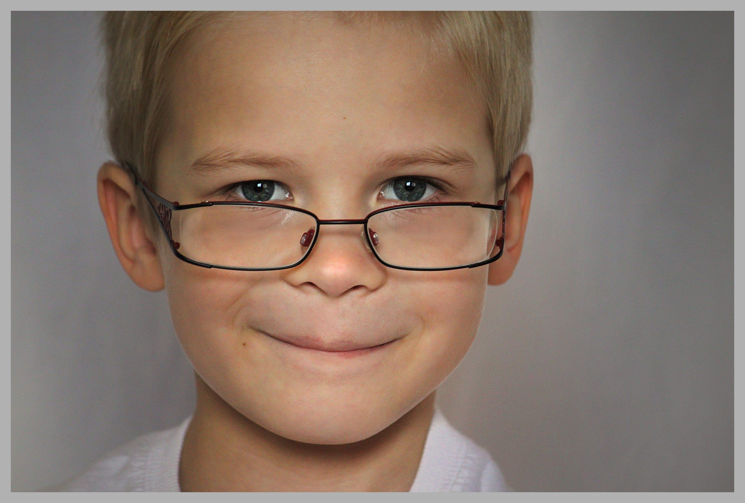La Lente de contacto blanda específicamente diseñada para miopías en fase de crecimiento